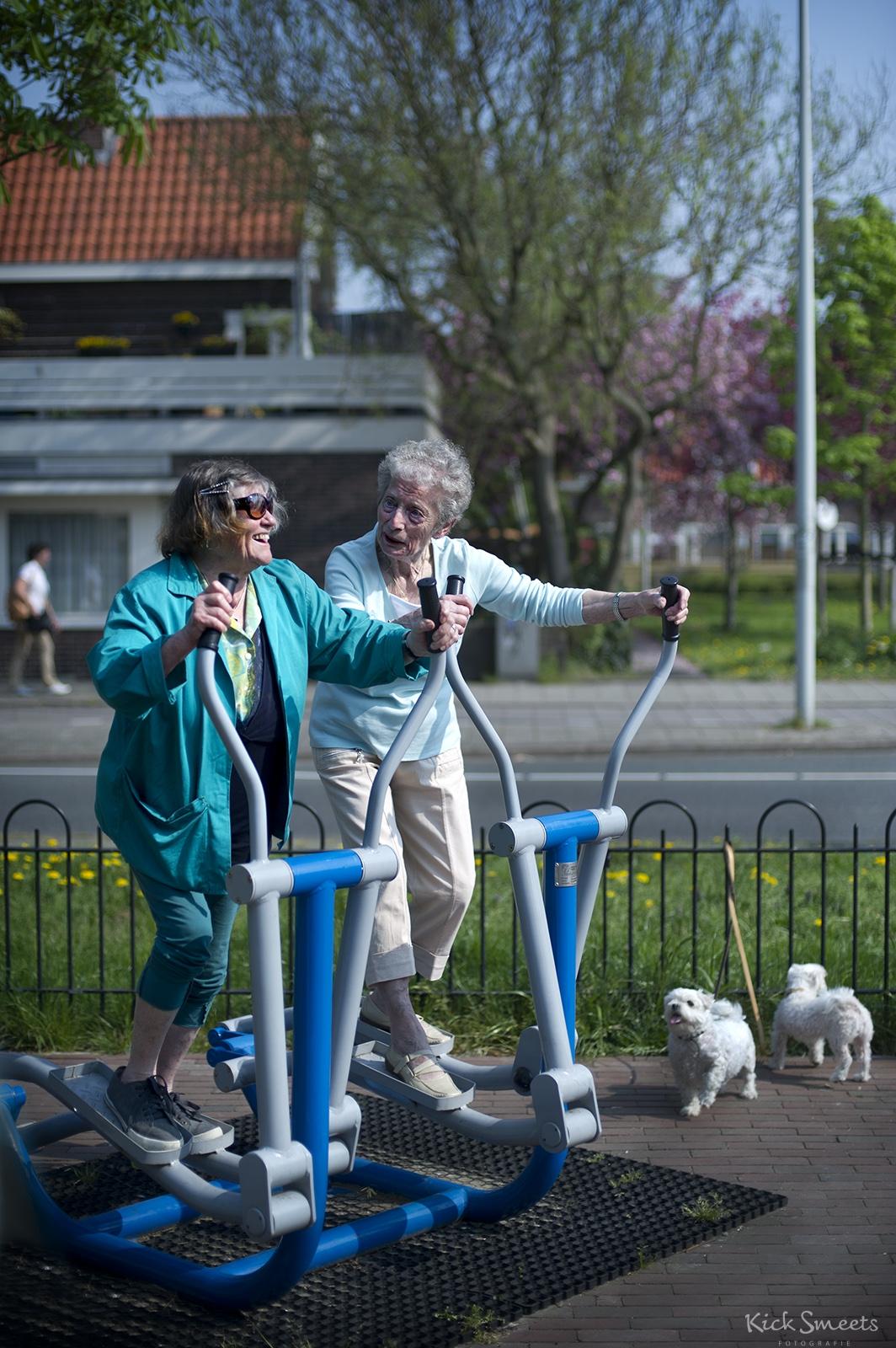 Seniorenfitness in de buitenlucht, Amsterdam